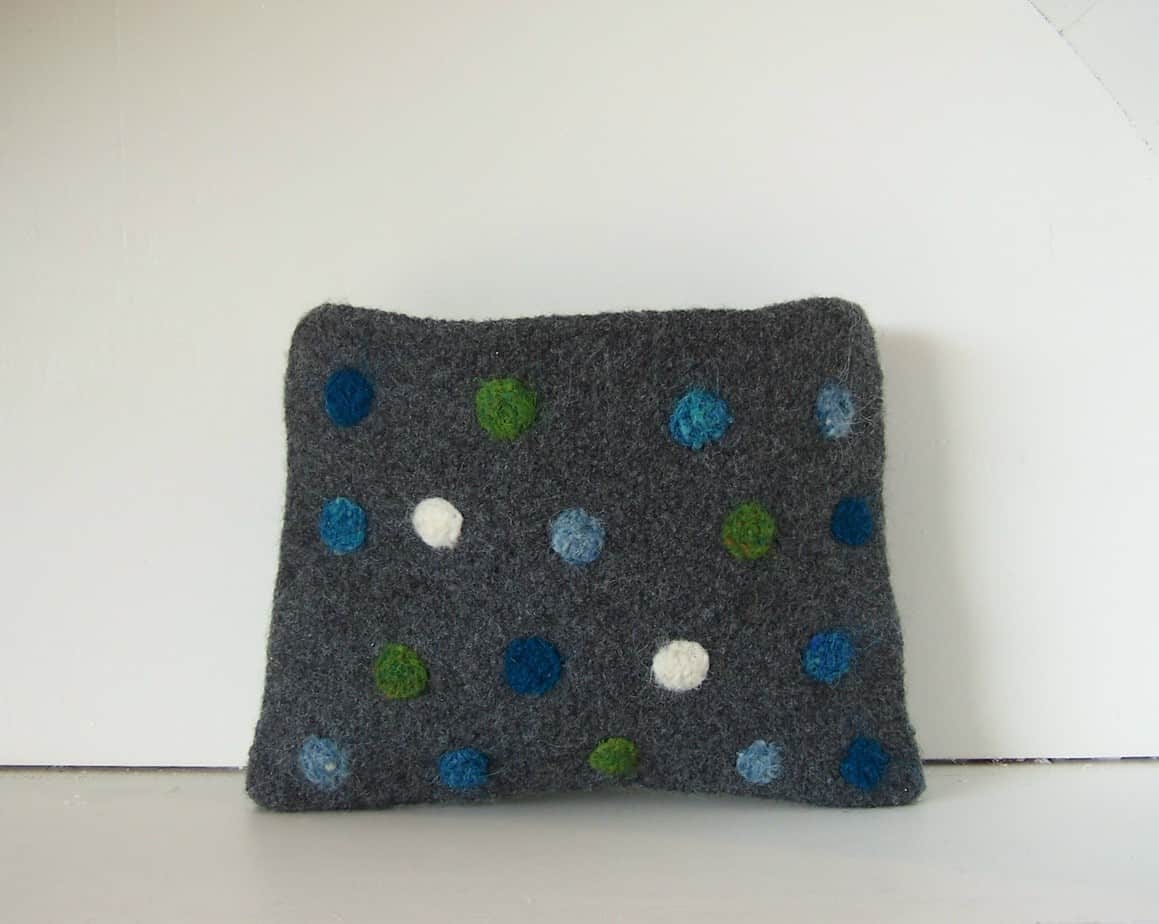 Dotty Clutch Pattern