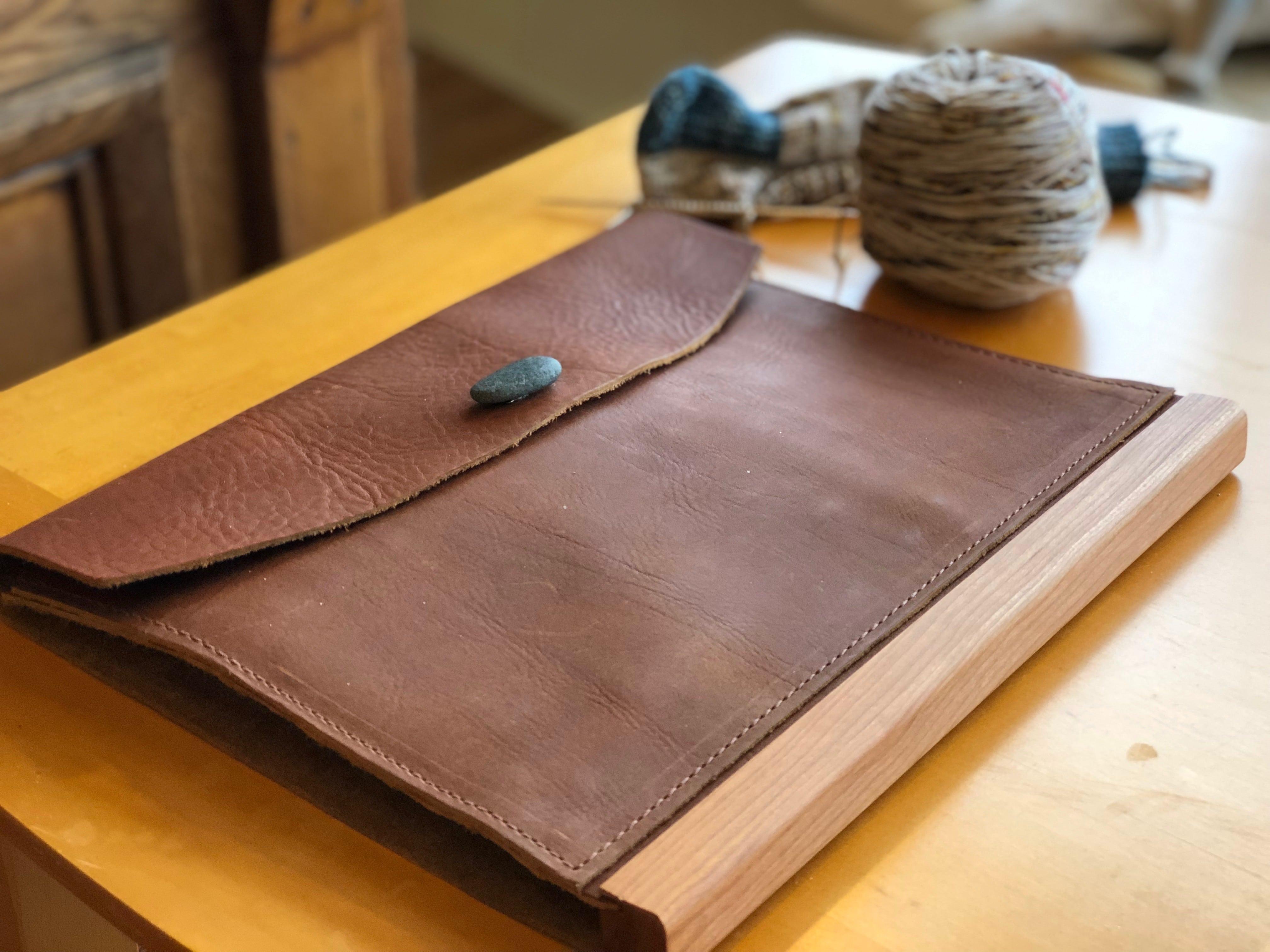 Maker\'s Leather Portfolio | Wool & Honey